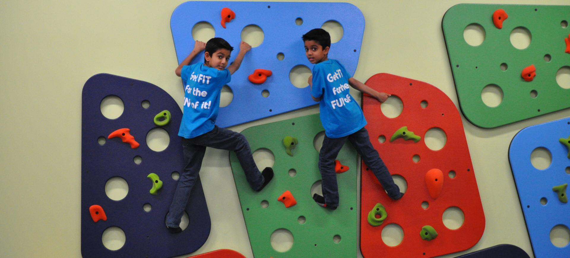 Shaan and Sahel climbing at Tumbles